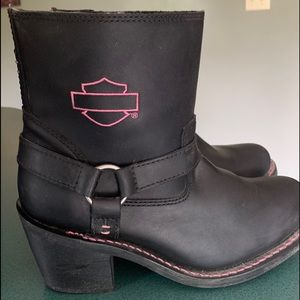 Woman's leather Harley boots